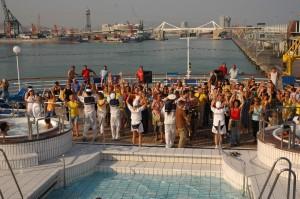 Fiesta, fiesta, diversión y música. Para muchos cruceristas es lo esencia.
