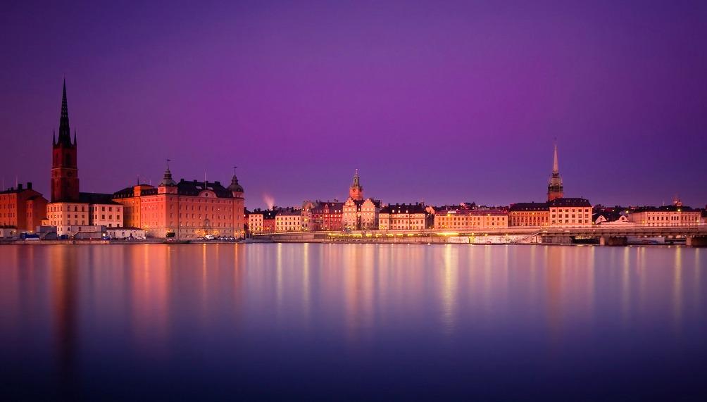 Estocolmo y un atardecer que parece de los mares del sur.