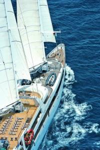 El crucero de lujo Le Ponant cerca de Sicilia. Foto de Oremar.