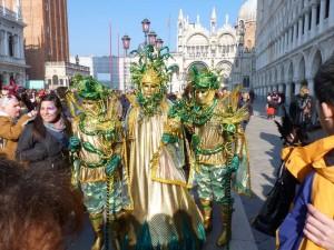 Las máscaras del carnaval de Venecia no podían faltar en este recorrido por los inicios de 2012. Foto de Sanchez Victor