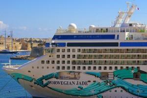 El magnífico barco Norwegian Jade, les llevará a unas de las islas más bellas del Mediterráneo. Flickr albireo2006
